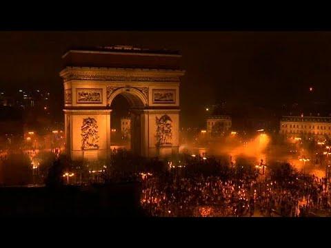 Βίαιες διαδηλώσεις συγκλονίζουν το Παρίσι: 100 τραυματίες, 250 συλλήψεις…