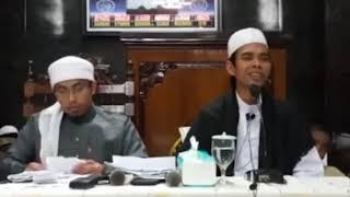 Video Lucu Ustadz Maaher At-Thuwailibi di Candai Ustadz Abdus Shomad, Lc. MA. MP3, 3GP, MP4, WEBM, AVI, FLV Februari 2019