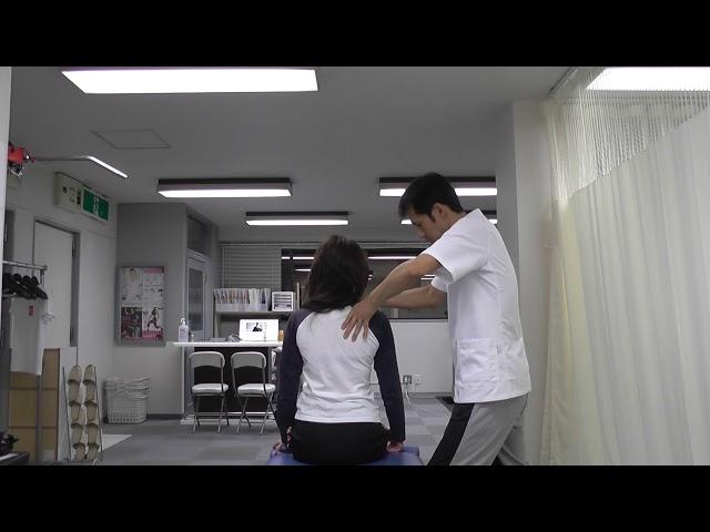 【施術動画】首の側屈で右にいきにくい 手首・肘・肩の関節可動域を調整