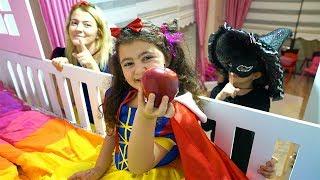 Kostümlü Saklambaç Öykü Yine Ne Saklıyor! Kids Hide and Seek Johny Johny Yes Papa Family Fun Video