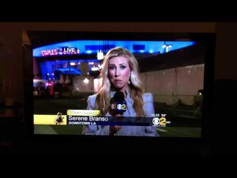 Grammy reporter's brain shuts down live!