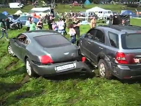 Bentley Continental GT moron ruins his Bentley trying to show off Crashes Accidents StileProject com