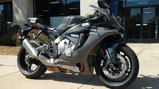8. 2016 Yamaha R1-S