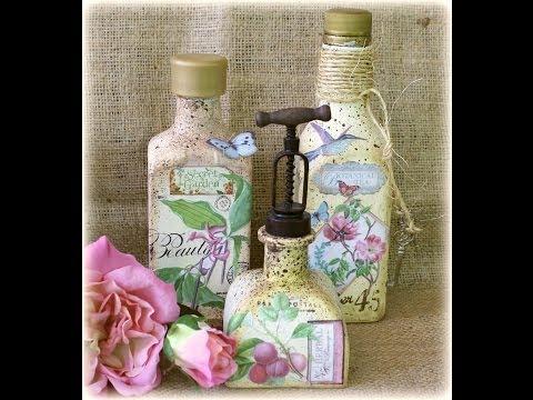 decoupage - decorazione vintage su una bottiglia