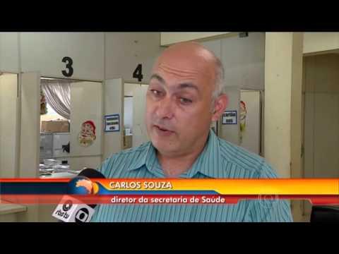 Brasil (vídeo) - Paciente é chamada para consulta pelo SUS onze anos após ter morrido Filha conta que a mãe passou os últimos dois anos de vida esperando para se consultar com um especialista. Ela tinha dificuldades para caminhar.