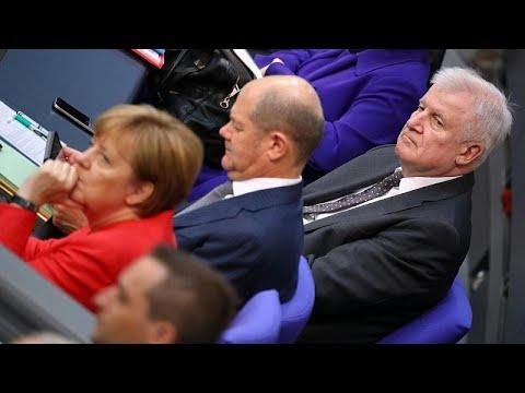 Asylstreit im Bundestag: Volle Breitseite gegen Merkel und Seehofer