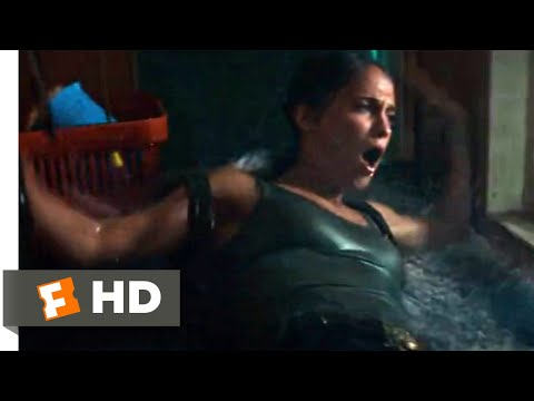 Tomb Raider (2018) - The Boat Crash Scene (2/10) | Movieclips