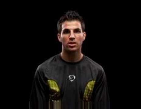Nike Momentum: Cesc Fabregas, Torres, Puyol, Sergio Ramos