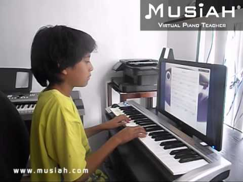 Piano Video: Online Piano Lesson #40 Old MacDonald played by Daniel