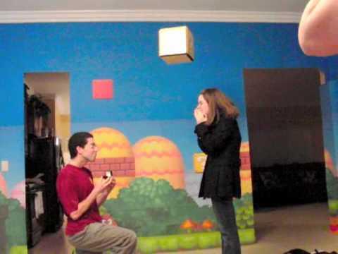 「[感動]スーパーマリオのブロックから婚約指輪が出てくるプロポーズ作戦。」のイメージ