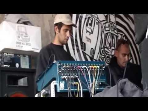 Free Tekno Party (Italy, 2006) -- Metek Live set