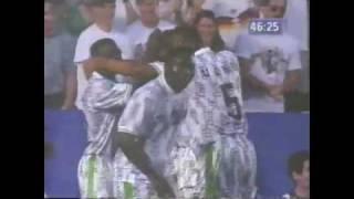 Finidi Georges Treffer und Torjubel gegen Griechenland (WM 1994)