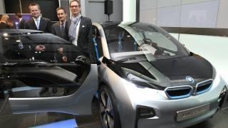 BMWが電気自動車などを公開