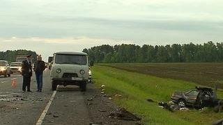 Под Тулой пассажирский автобус столкнулся с двумя машинами, погибли 5 человек