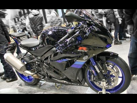 2017 SUZUKI GSX-R1000R ABS Glass Sparkle Black On The Racetrack