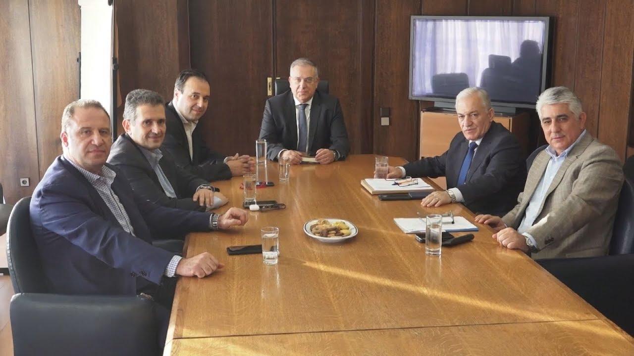 Συνάντηση του υπουργού εσωτερικών Τάκη Θεοδωρικάκου με το νεοεκλεγέν προεδρείο της ΚΕΔΕ