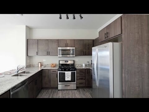 Tour a 1-bedroom plus den in Aurora at the new Metro 59 apartments