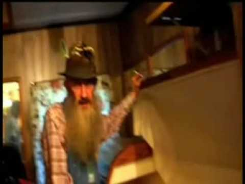 sutton - Johnny Knoxville interviews moonshiner Popcorn Sutton. R.I.P Popcorn http://www.msnbc.msn.com/id/29763094/