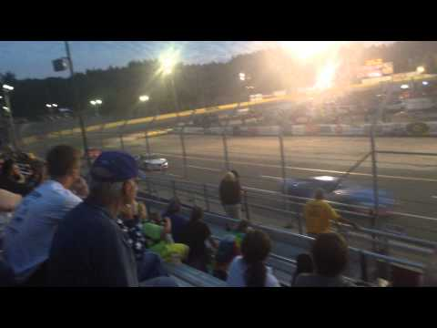 2015 Federated Auto Parts 200 - Start