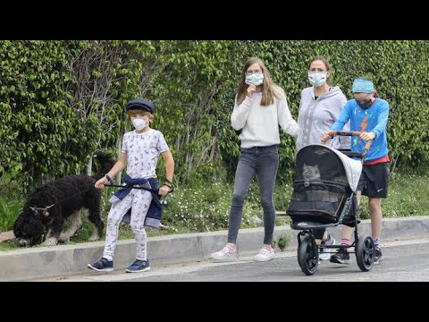Jennifer Garner And The Kids Bring The Pets Along For Their Family Stroll