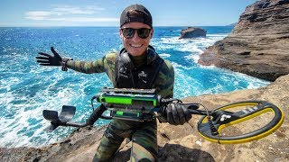 Video Scuba Diving One of Hawaii's Most Dangerous Cliff Side for Sunken Treasure! (Spitting Caves) MP3, 3GP, MP4, WEBM, AVI, FLV Juli 2019