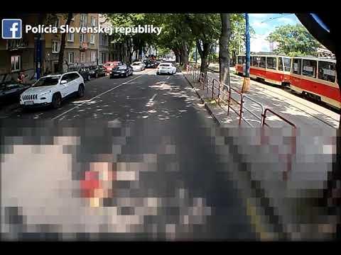 Nehoda autobusu a chodkyne