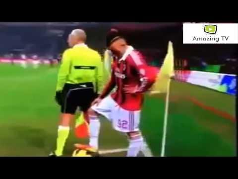 Stephan El Shaarawy mocks with referee (Bacak Arası Çalım)