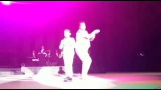 Download Lagu Juan Gabriel baila con niño en Auditorio Nacional Mp3