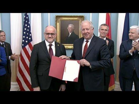 Και επίσημα στο ΝΑΤΟ το Μαυροβούνιο