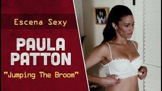 """Escena sexy con Paula Patton en ropa interior para la película americana """"Jumping The Broom""""."""