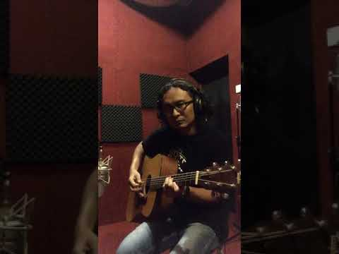 Acoustic guitar tracking