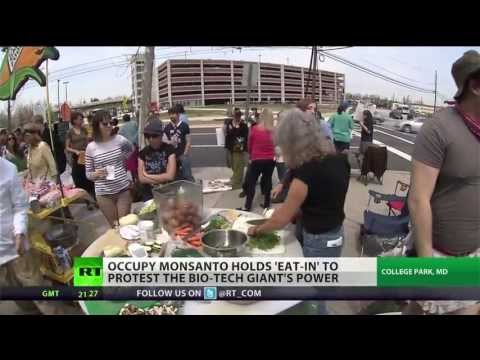 RT America - Over 100 protesters, activists and food advocates gathered outside of the FDA Center Food Safety and Applied Nutrition today to participate in the first ever...