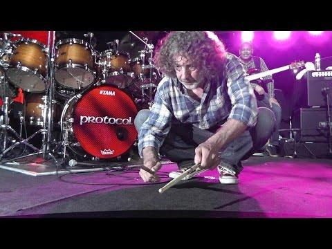 Simon Phillips & Protocol II - Amazing drum solo - must see!