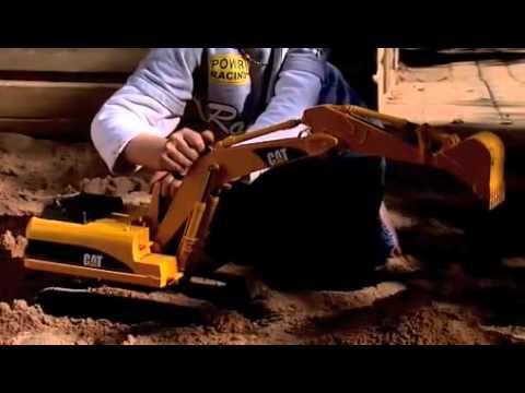 EXCAVADORA CAT - Excavadora Caterpillar con multitud de funciones. Juguete a escala 1:16 de BRUDER.