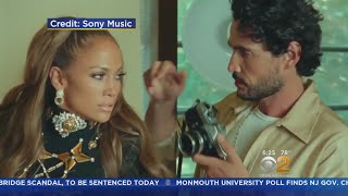 Jennifer Lopez is serving summer vacation envy in her steamy new music video. CBS2's Alex Denis reports.