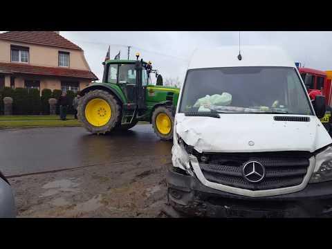Wideo1: Zderzenie dwóch aut w Łęce Wielkiej