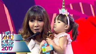 Video Lucu Banget Sih, Pake Tanduk Unicorn Gempi Menang Kids Seleb Kesayangan  - Mom & Kids Awards 2017 MP3, 3GP, MP4, WEBM, AVI, FLV September 2018