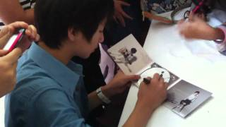 Nonton 301011 Sungha Jung fan sign Film Subtitle Indonesia Streaming Movie Download