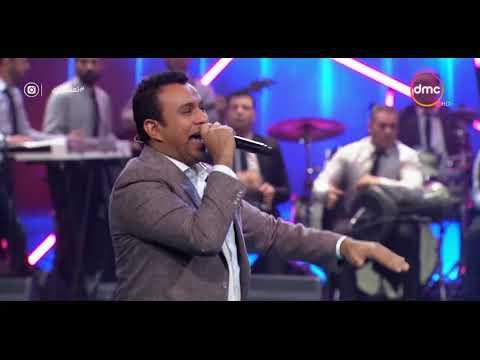 """شاهد - محمود الليثي وغادة عادل يرقصان على أغنية """"الفلوس"""""""