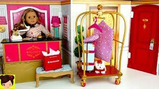Hotel para muñecas con recepcion de hotel, dormitorio lujoso con cama, baño telefono y refrigeradora de juguete. Desayuno de hotel en bandeja , pijamas y bata para muñeca y muchas miniaturas como secadora de pelo, maletas y mucho mas. Un lado es la habitacion del hotel con una cama para muñecas, mesa de noche, lampara y accesorios de hotel y una ventana que se abre de verdad. Todo es muy real y el otro lado es el hotel  con el escritorio, una carrito para las maletas y una escena de elevador. Juguetes del Video:American Girl Grand HotelAG Grand Hotel Room Service SetAG Grand Hotel Luggage CartTravel in Style LuggageTravel in Style AccessoriesAmerican Girl Room Service Set ReviewSupermercado de Juguete con Barbie y Muñecas American Girl - Los Juguetes de Titihttps://youtu.be/C0hDuFWKNTMRutina de Mañana Para La Escuela  con Muñeca American Girl - Historias Juguetes de Titihttps://youtu.be/ZbYuAMyJkZwMi Primera Muñeca American Girl y Decoramos Su Nuevo Cuarto - Juguetes de titihttps://youtu.be/Akm-VSuERzEMuñeca Baby Alive Sorpresas Brillantes - Accesorios y Ropa para la Muñeca Bebehttps://www.youtube.com/watch?v=dxNuvc3EPbULas Bebes se Disfrazan Tienen una Fiesta con Piñata - Muñecas Baby Alive y Escritorio https://www.youtube.com/watch?v=AD69xOarsrA