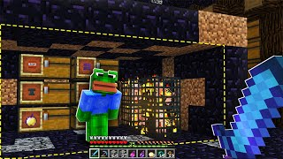 Video i managed to find what looked like the WORST Minecraft Base.. but it was FULL of surprises! ($$$) MP3, 3GP, MP4, WEBM, AVI, FLV Juni 2019