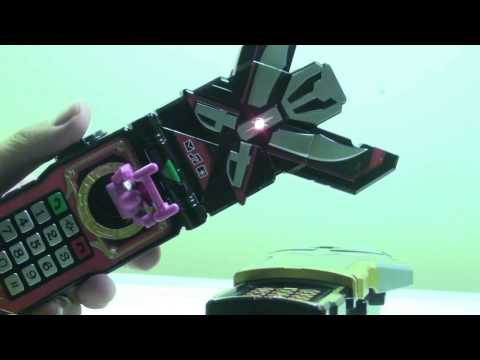 Power Rangers Super Megaforce Basic Battlegear Silver Morpher Review