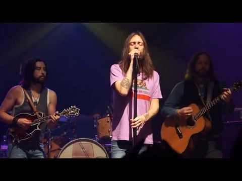 Video The Black Crowes - She Talks to Angels (Acoustic); Vic Theater - Chicago, IL 4.17 download in MP3, 3GP, MP4, WEBM, AVI, FLV January 2017