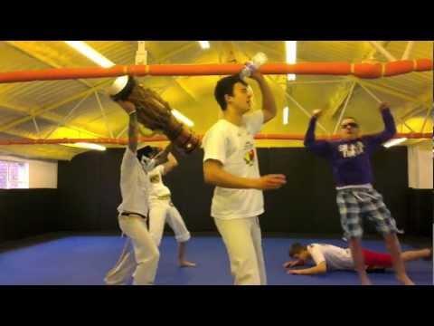 harlem shake capoeira bristol chupacabra e alunos