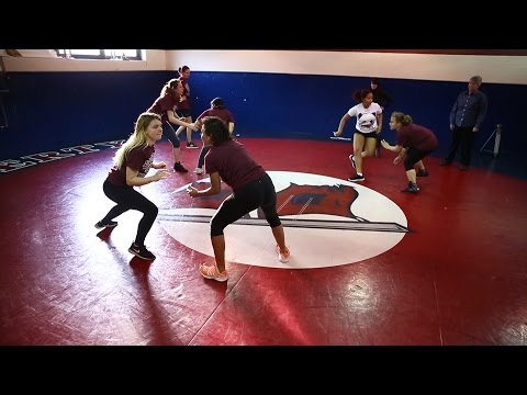 Liberty High School starts girls wrestling club in hopes other high schools will follow (видео)