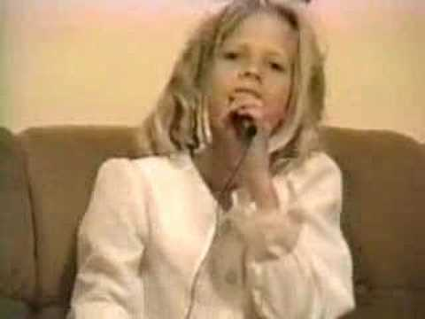 Avril Lavigne - O Canada lyrics