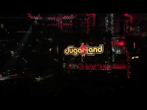 Video Babe - Sugarland and Taylor Swift Live Reputation Tour Dallas, TX download in MP3, 3GP, MP4, WEBM, AVI, FLV January 2017