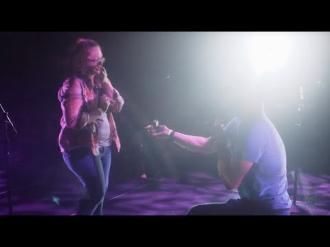 Lee Brice – Valentine's Day 2016 Proposals