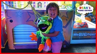 Video Ryan Won the Biggest Surprise Toy from the Crane Machine at Dave & Busters!!!! MP3, 3GP, MP4, WEBM, AVI, FLV Agustus 2019