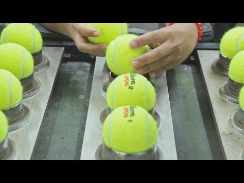 Seguro que nunca había pensado cómo se hacen pelotas de tenis